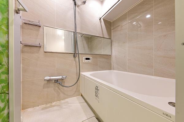 ~浴室~浴室乾燥機&追焚機能付、1日の疲れを癒すことができる住まいの中のリラクゼーション空間。