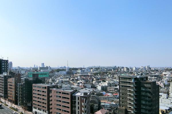 14階部分ならではの遮るものがない圧巻のパノラマシティビュー。渋谷の景色を毎日お楽しみ頂けます。
