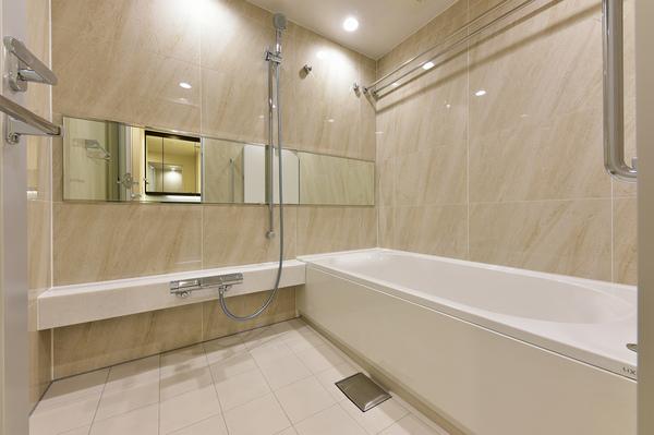 浴室換気乾燥機・多機能シャワーヘッド・人造大理石製高断熱浴槽を採用のフルオートバス。。