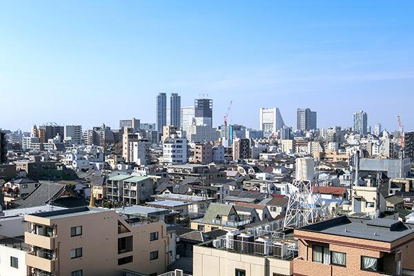 9階部分バルコニーからは圧巻の眺望をお楽しみ頂けます。