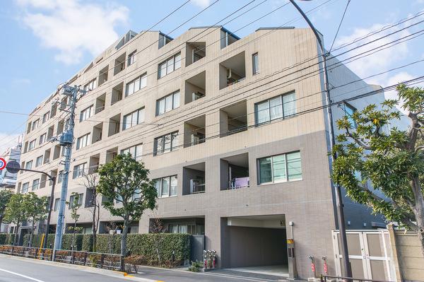 東京建物株式会社旧分譲、東京建物アメニティサポート管理の7階建マンション。