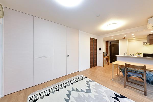 LDには足元から快適な暖かさにしてくれるTES温水式床暖房を設置