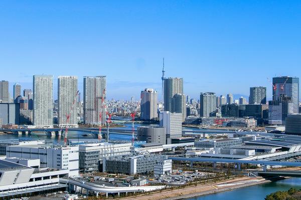 30階バルコニーからの眺望/東京スカイツリー・晴海豊洲・豊洲市場方面。