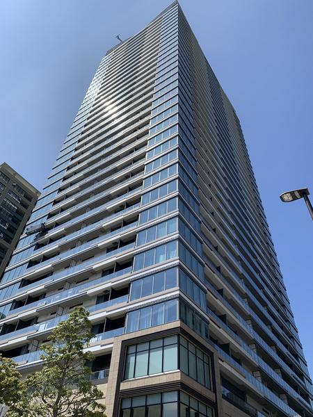「パークシティ中央湊ザ・タワー」/地上35階建て「超高層免震タワーレジデンス」①