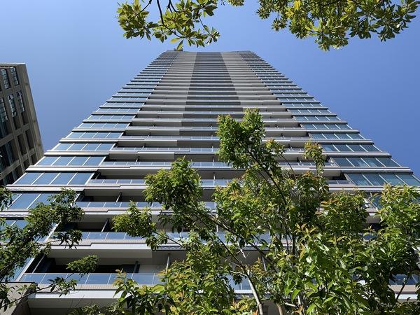 「パークシティ中央湊ザ・タワー」/地上35階建て「超高層免震タワーレジデンス」②