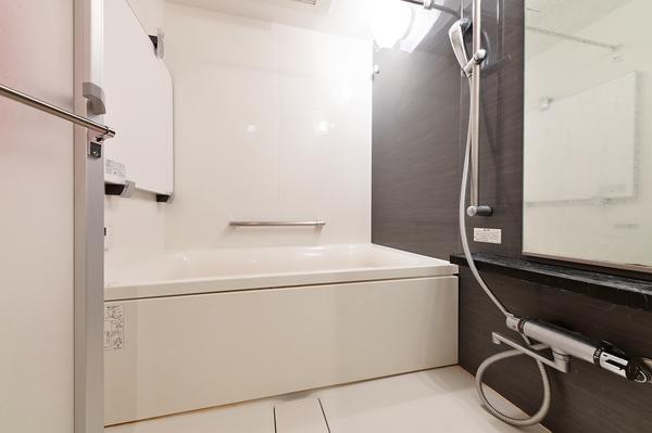 【浴室】浴室暖房換気乾燥機付き