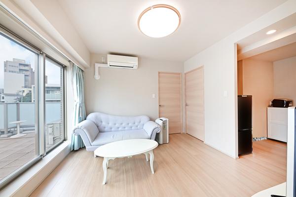 【リビング②】お部屋を足元からやさしく温める床暖房を、LDに設置