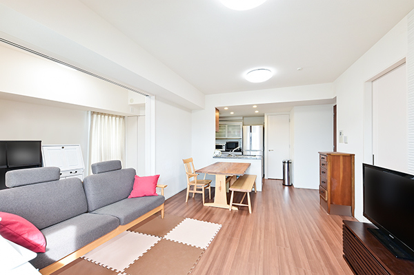 リビングダイニング・キッチン+洋室一体使用(約19.6帖)