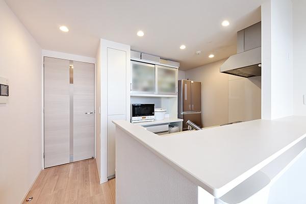 お手入れのしやすいピピっとコンロや食器洗い乾燥機等が家事を軽減してくれます。
