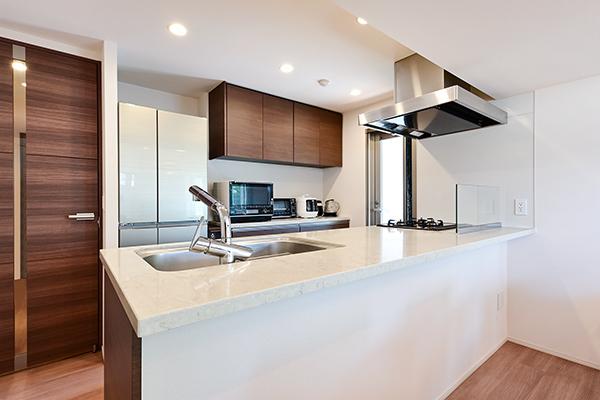 キッチン(約3.7帖)※食洗機、カップボードあり