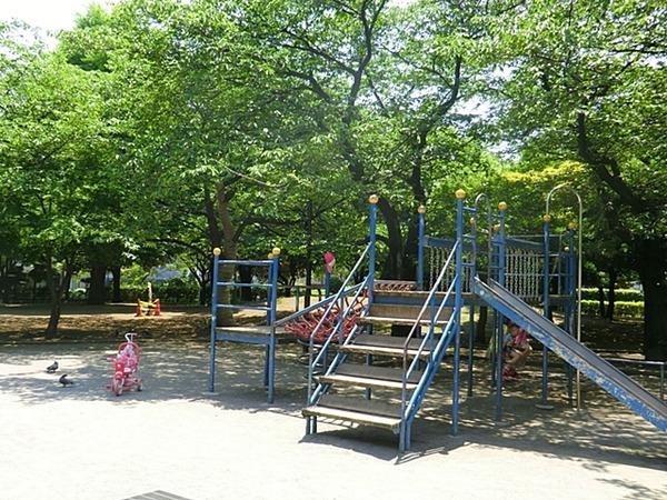 浜川公園、約70m、徒歩1分